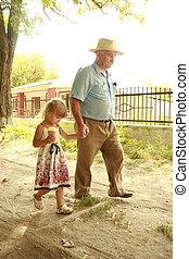 aduelo, y, nieta, ser, sobre el calle