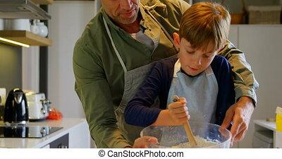 adulte, maison, confortable, vue, mi, cuisine, père, biscuits, caucasien, fils, cuisson, devant, 4k