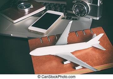 aereo giocattolo, con, vendemmia, viaggiare, oggetti, per, viaggio lavoro, concetto