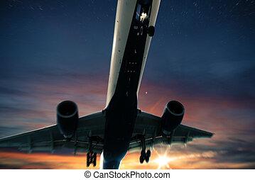 aereo, volo, a, tramonto