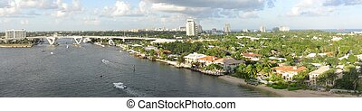 Fort Lauderdale - Aerial panorama of Fort Lauderdale and its...