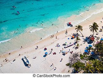 Aerial photo of a beach in Mexico