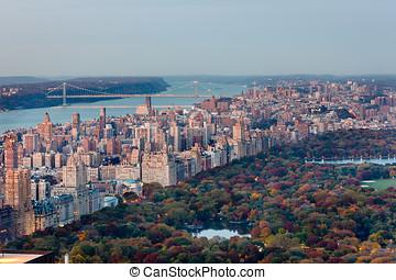 aerial udsigt, i, øvre, vest, side, og, central park, ind, fald, nyc.