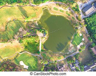 aerial udsigt, i, en, smukke, golf kurs