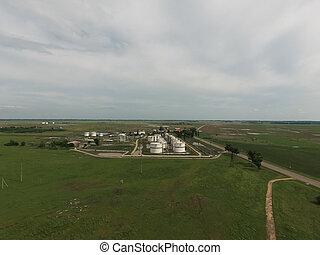 aerial udsigt, i, magasinering olie tank