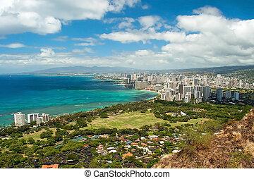 Aerial view of Honolulu and Waikiki beach from Diamond Hea