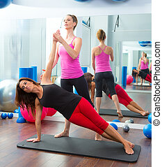 aerobic, pilates, persoonlijke trainer, instructeur, vrouwen