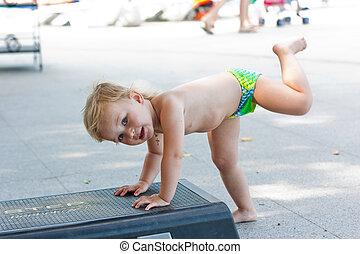 aerobio, bebé, paso, adorable, tabla