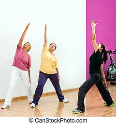 aerobio, workout., mujeres mayores