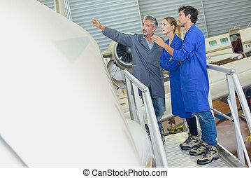 aeroespacial, técnico, en el trabajo
