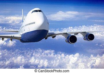 aeroplano, a, mosca, su, il, cielo, con, nubi