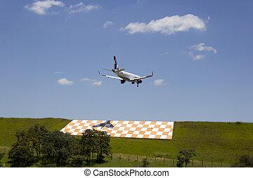 aeroplano commerciale, atterraggio