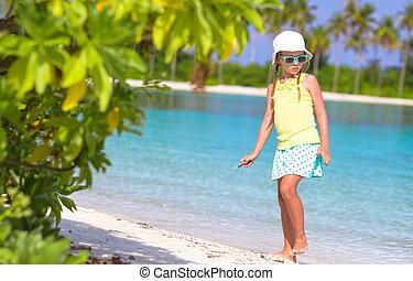 afbeelding, schattige, tekening, witte , toddler, strand, meisje