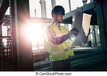 afbeelding, van, gebouw stek, ingenieur, kijken naar, plan