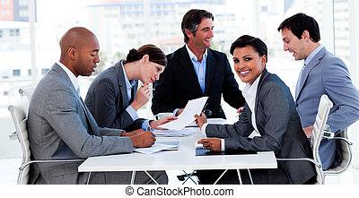 affär, grupp, visande, etnisk mångfald, in, a, möte
