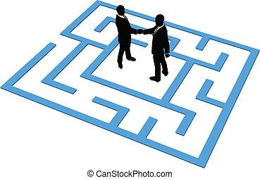 affärsfolk, lag, finna, anslutning, in, labyrint
