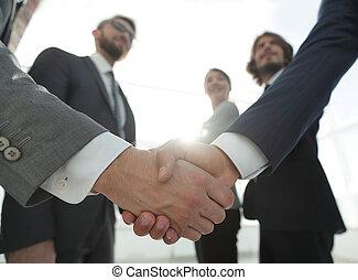 affärsidé, handslag, affärsfolk