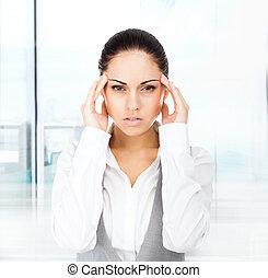 affärskvinna, huvud, hålla, tempel, räcker