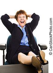affärskvinna, på skrivbordet, -, skratta