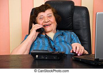 affärskvinna, senior, rolig, ha, konversation