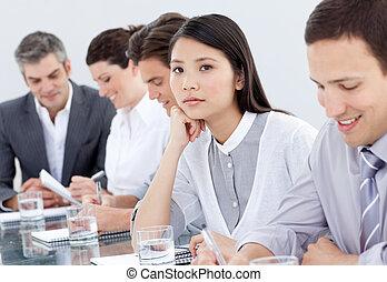 affärskvinna, uttråkad, möte, asiat