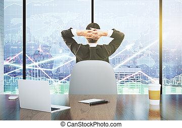 affärsman, blickar vid, den, poängtavla, med, affär, kartlägga, och, laptop, med, tidning kopp, på, trä tabell