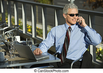 affärsman, cellphone.