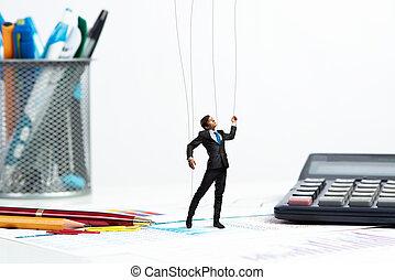 affärsman, marionett, docka, är, på, den, skrivbord