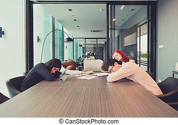 affärsverksamhet folk grupp, sova, in, a, möte rum, multi etniska