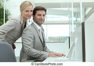 affärsverksamhet koppla, användande, a, laptopdator