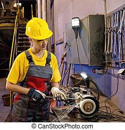 affûtage, femme, outils, ouvrier usine