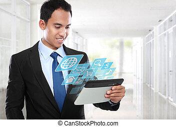affaires asiatiques, homme, utilisation, pc tablette