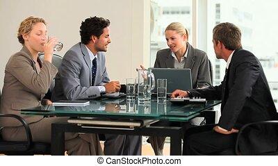 affaires conversation, gens