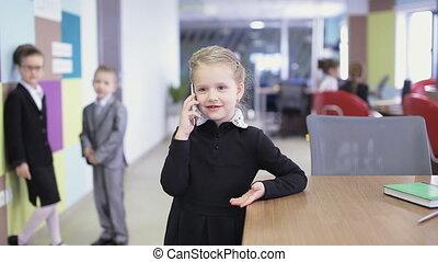 affaires conversation, téléphone, bureau, gosse
