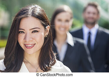 affaires femme, femme affaires, interracial, asiatique, équipe