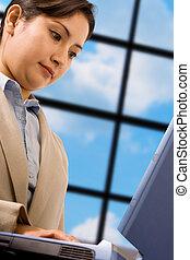 affaires femme, ordinateur portatif, asiatique, utilisation