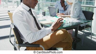 affaires gens, réunion bureau, moderne, jeune