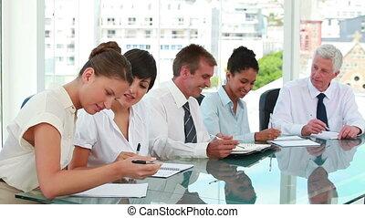 affaires gens, réunion, ensemble, salle
