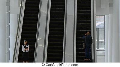 affaires gens, utilisation, escalator, 4k