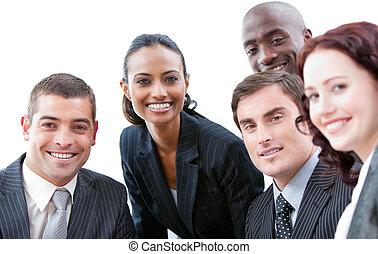 affaires internationales, équipe