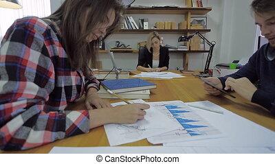 affaires, requin, financier, expert, pratique, jeune personne, deux, leur, prometteur, escarpé