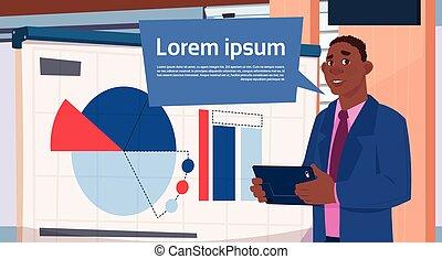affari, grafico, sopra, asse, tabelle, presentazione, americano, stare in piedi, presa a terra, africano, relazione, uomo affari, riunione, o, seminario, uomo