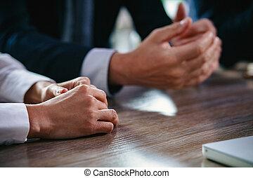 affari, persone, su, mani, chiudere, tavola