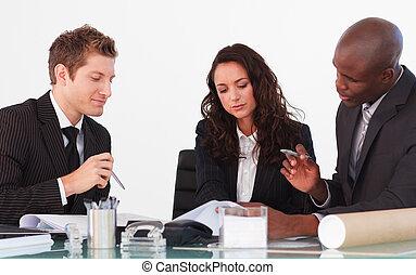 affari persone, tre, discutere, riunione