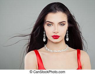 affascinante, donna, diamante, trucco, labbra, moda, capelli, soffiando, necklace., ritratto, rosso