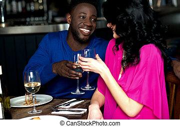 affectueux, couple, barre, romantique