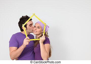 affectueux, couple, obtenir, prêt hypothécaire, pour, nouvelle maison, concept