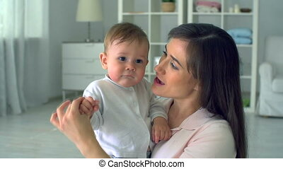 affectueux, mère