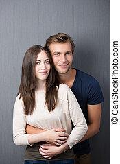 affettuoso, giovane coppia