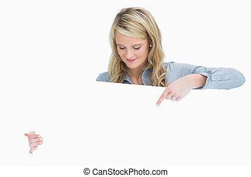 affiche, femme souriante, pointage